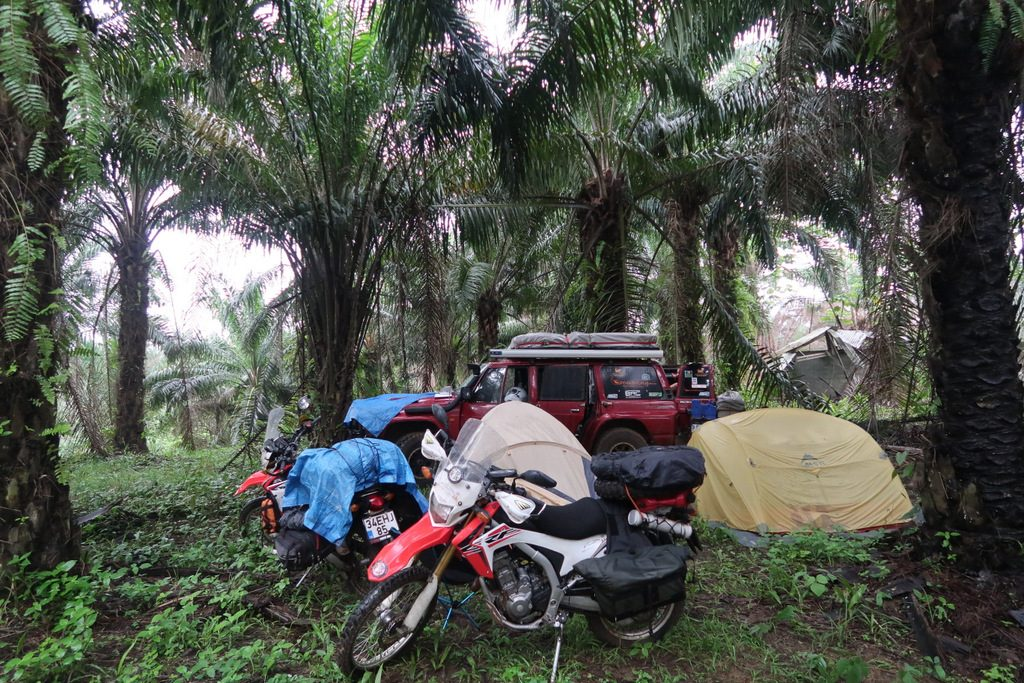 where can stay in cameroon to overlander