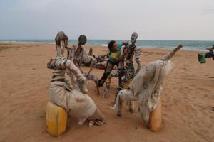 artist-art-benin-beach